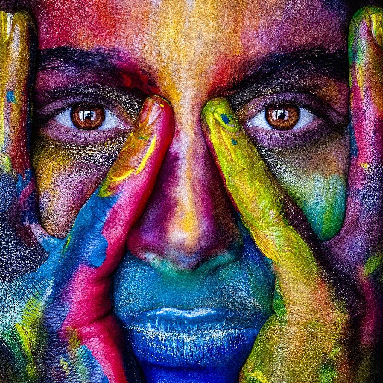 Kulturwissenschaft Abschluss Gesicht bunt Farben Multikulti